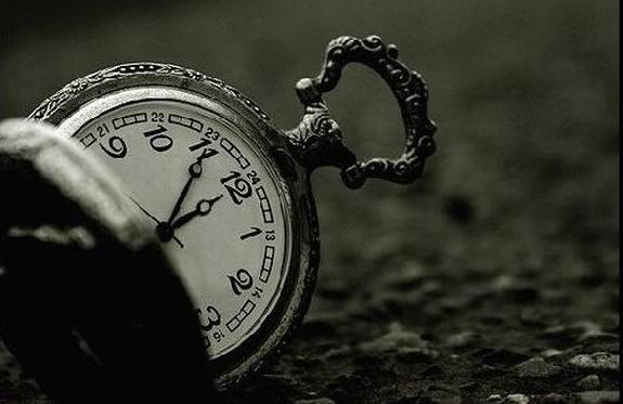 Geçmişten-Geleceğe-Eski-Saatler